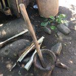 カカオを割る道具