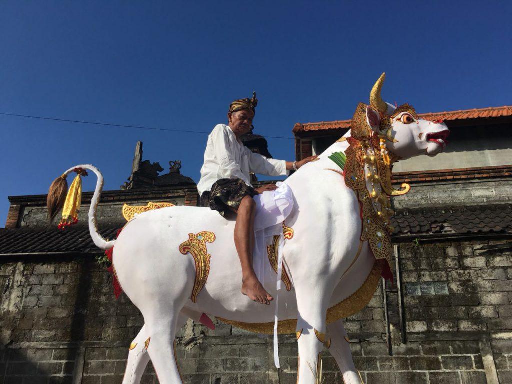 バリ王宮お王様のお葬式